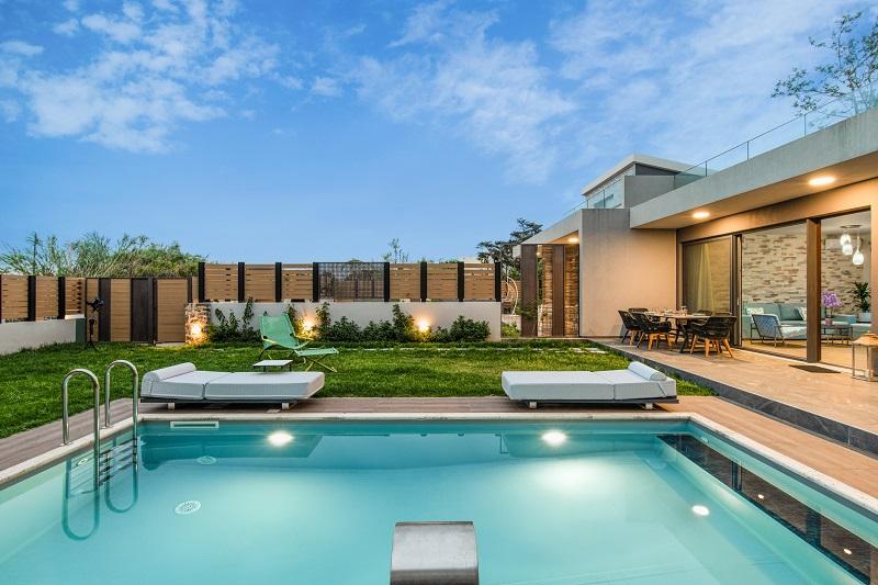 Pool Yasmyr